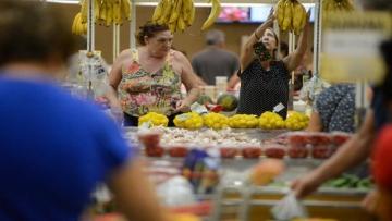 Inflação para famílias com renda até 2,5 salários mínimos é de 4,11% em 12 meses