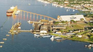 Em mais um leilão com disputa, governo privatiza terminais portuários