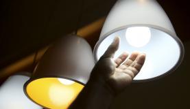 Consumidor deve ficar atento a fatores que influenciam o preço da energia