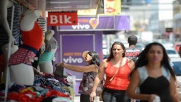 CNC diz que comércio reduz ritmo de demissões no Brasil