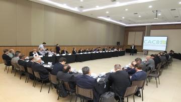 Reunião do Conselho da CACB antecede a abertura do Fórum