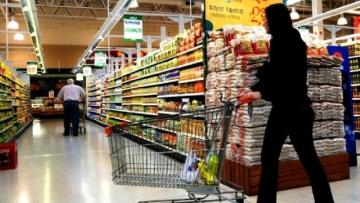 Comércio varejista mantém expectativa de crescimento, aponta CNC