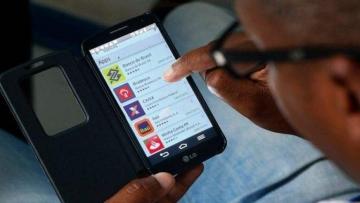 Transações bancárias feitas por celular aumentam no país, diz BC