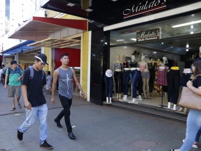 Com quedas em vestuário e saúde, Capital tem primeira deflação no ano