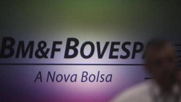 Ibovespa fecha em alta com avanço de commodities