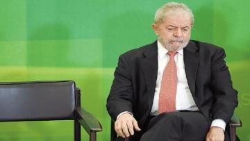 Polícia Federal cumpre mandados em investigação que envolve Lula