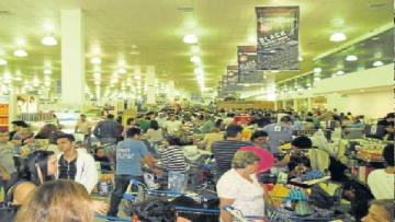 Dólar em queda eleva em 25% as vendas na fronteira com o Paraguai