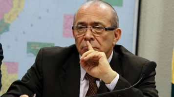 Governo não prevê alta de imposto, diz Padilha