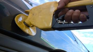 Gasolina fica mais barata e faz inflação semanal desacelerar
