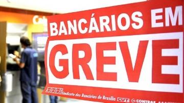 Bancários rejeitam reajuste de 7% e decidem continuar a greve