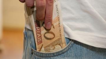 Receita Federal deposita hoje penúltimo lote de restituições do IR