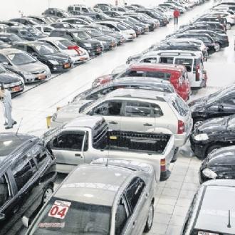 Venda de veículos novos cresce 12,01% em novembro ante outubro, diz Fenabrave