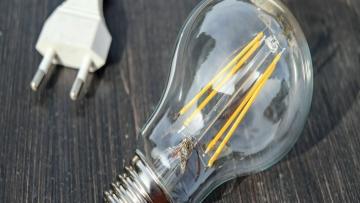 Consumo de eletricidade cai 2,8% em outubro no Brasil.