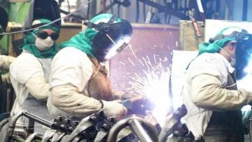 Produção industrial cai em 10 dos 14 locais pesquisados em setembro
