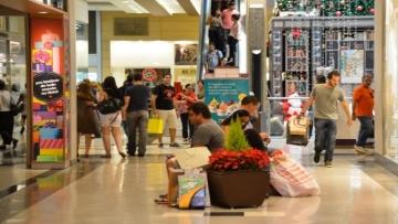 Setor de shopping centers prevê crescimento de 5% em 2017, diz Abrasce